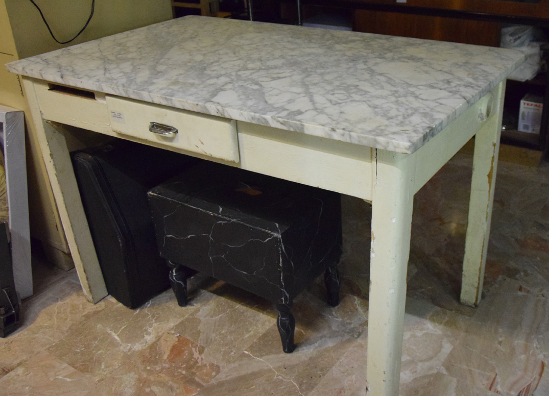 Tavolo in marmo bianco | Robevecie