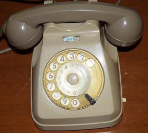 Telefono a gettoni design giugiaro robevecie - Telefono fisso design ...