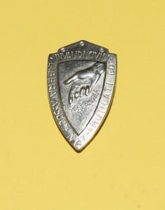 Distintivo in metallo mutilati e invalidi civili