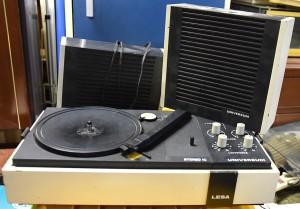 Gira dischi LESA con alotoparlanti anni 70