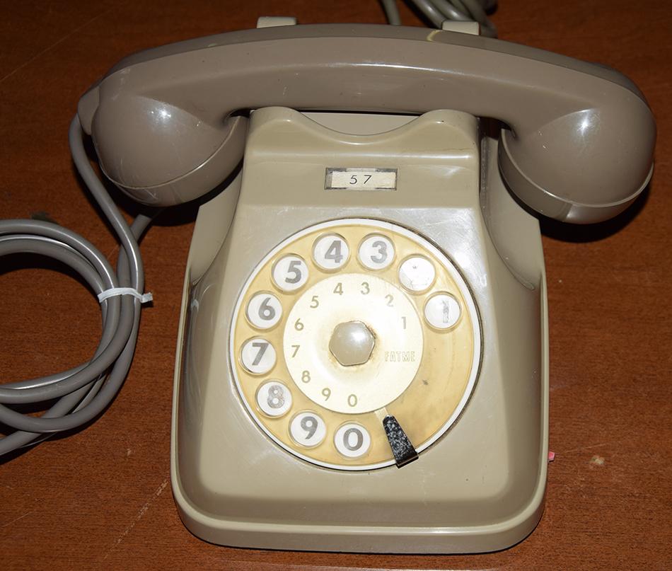 Telefoni a disco vecchi